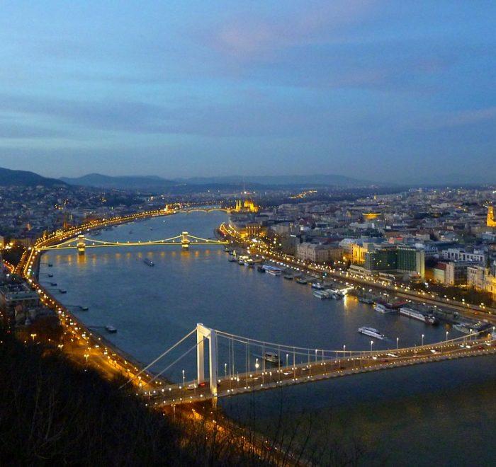 budapest-267671_1280
